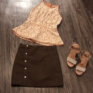 Brown short skirt